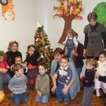 Activité sapin de Noël + musique avec Wilfried pour le 2e groupe (vidéo)