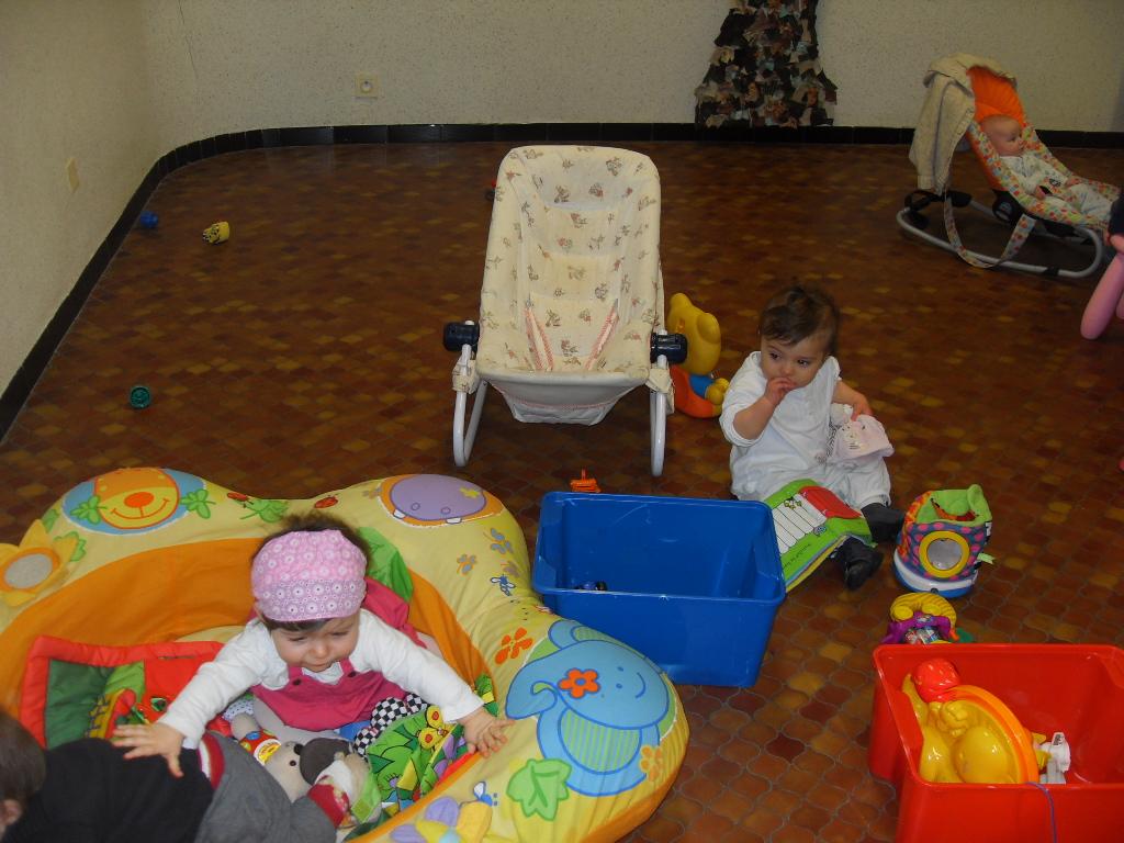 Les petits bambins activit fabrication des paniers de - Fabrication panier de paques ...