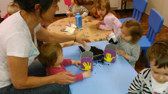Les petits bambins activit plantation - Activite manuelle jardinage ...