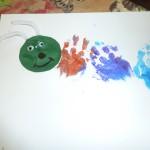 Activité chenille avec les petites mains